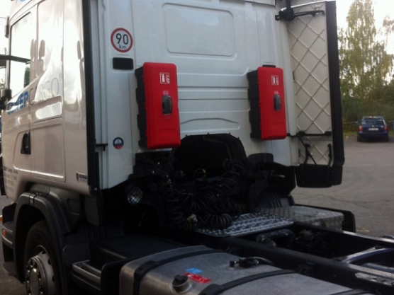 Fire-extinguishers ADR to cabs of trailer trucks